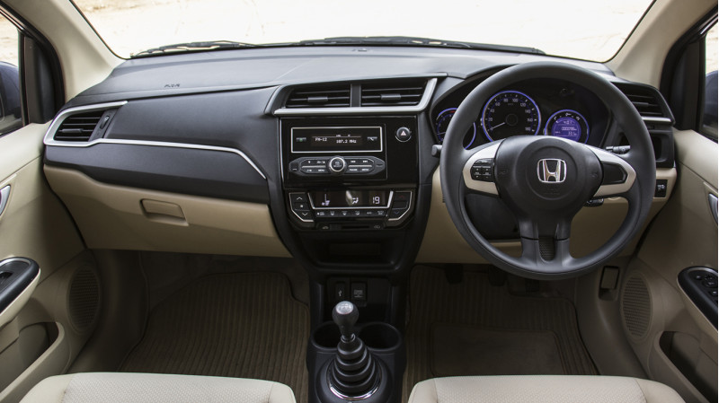 Honda Amez New First Drive CarTrade Photos Images Pics India 20160303 08