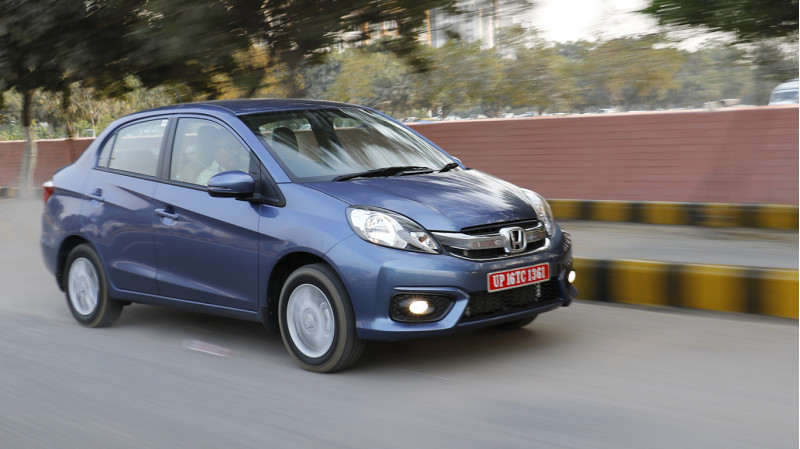 Honda Amez New First Drive CarTrade Photos Images Pics India 20160303 71