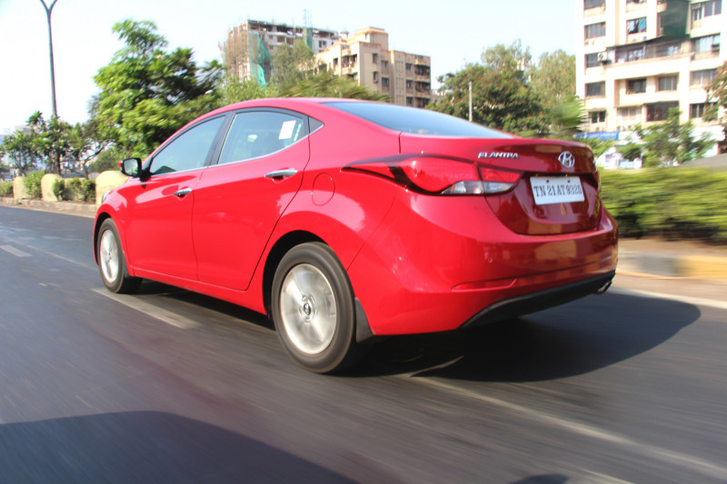 Hyundai Elantra Images 7