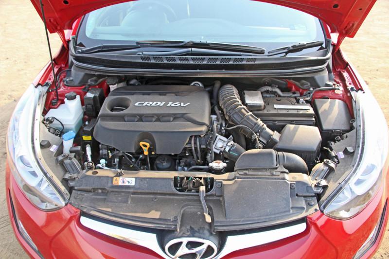 Hyundai Elantra Photos 20