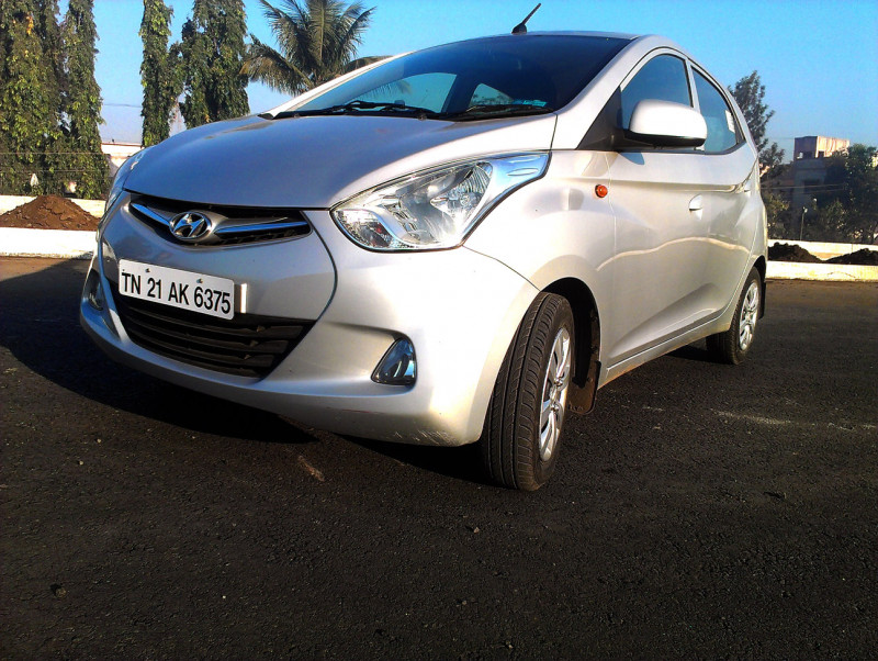 Hyundai Eon Front View Right