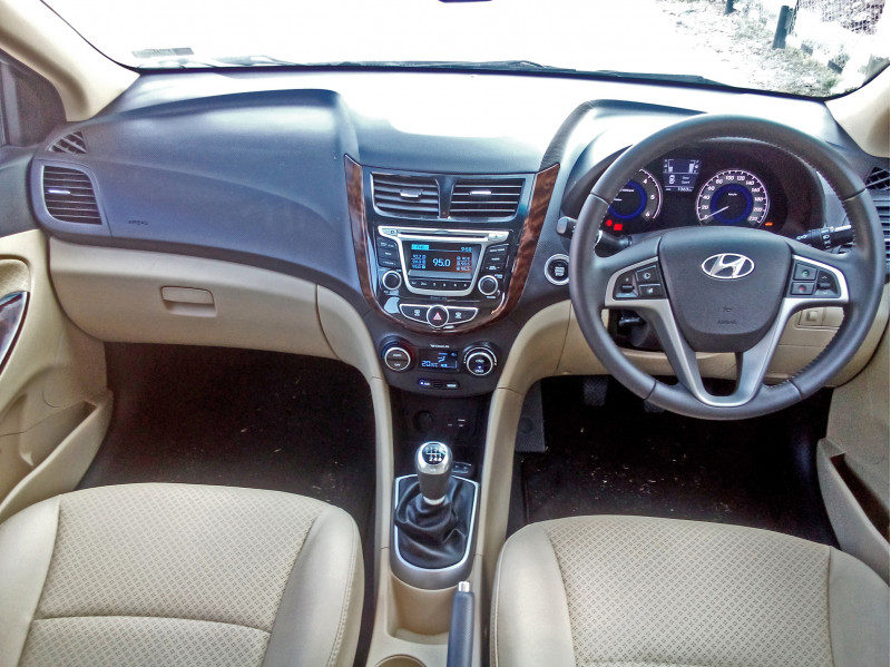 Hyundai Verna Photos 13