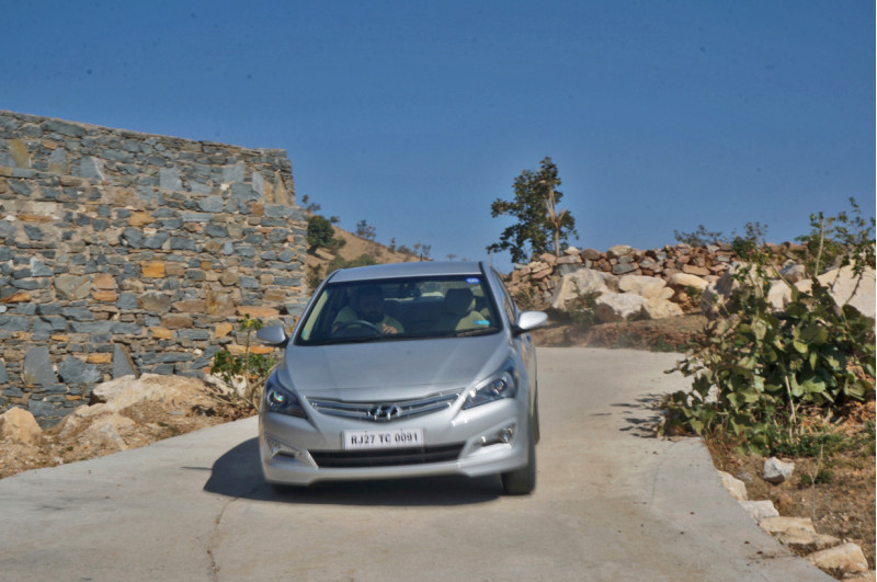 Hyundai Verna Photos 2