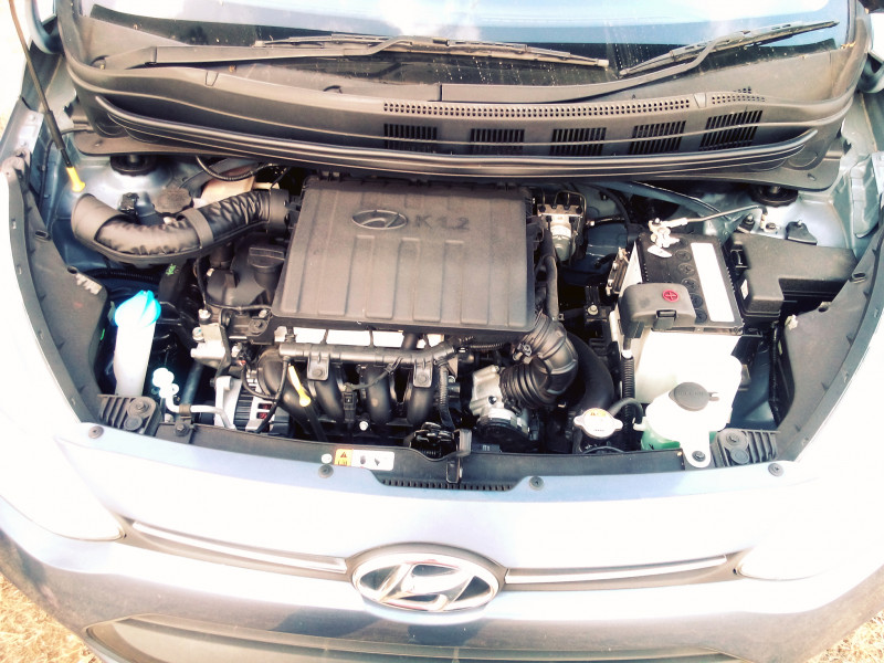 Hyundai Grand i10 Petrol Images 4