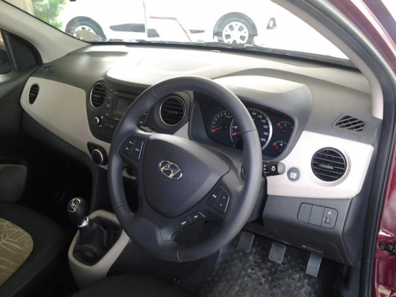 Hyundai Grand i10 12