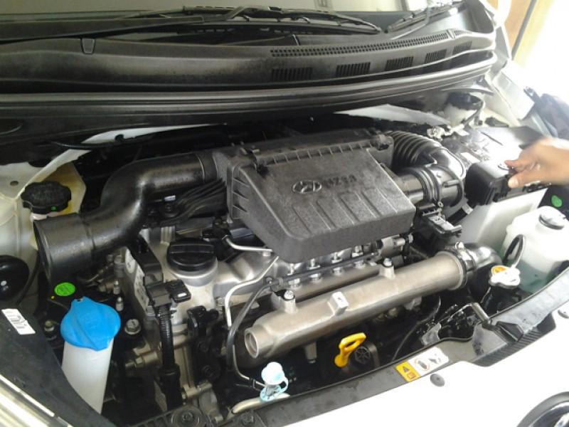 Hyundai Grand i10 : First Impression - CarTrade