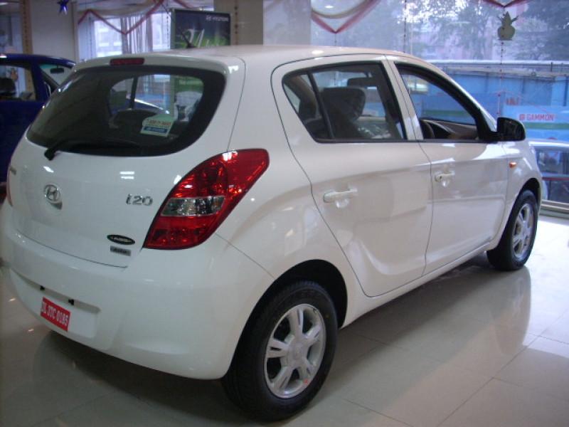 Expert Review On Hyundai I20 Car Model 116124 Cartrade
