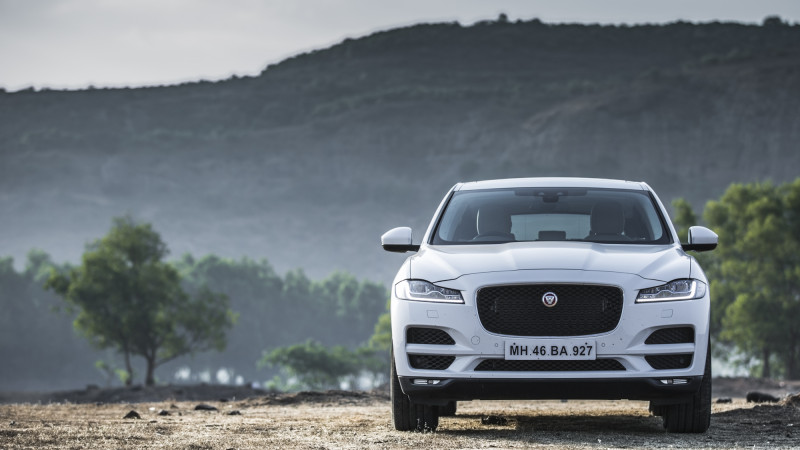 Jaguar F-Pace 2 0-Diesel First Drive Review - CarTrade