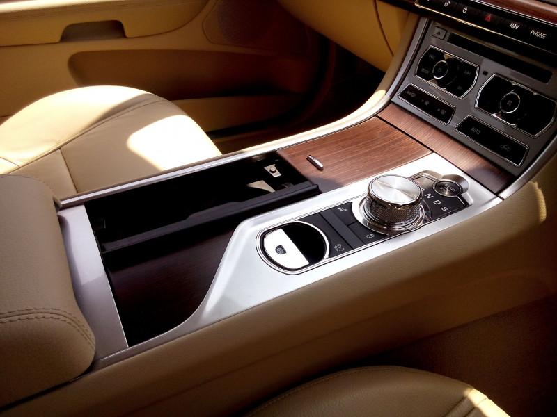 Jaguar XF Images 11