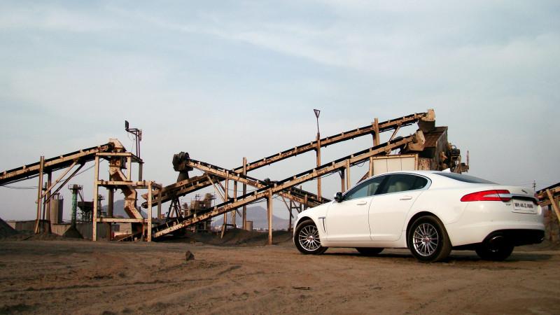 Jaguar XF Pictures 24