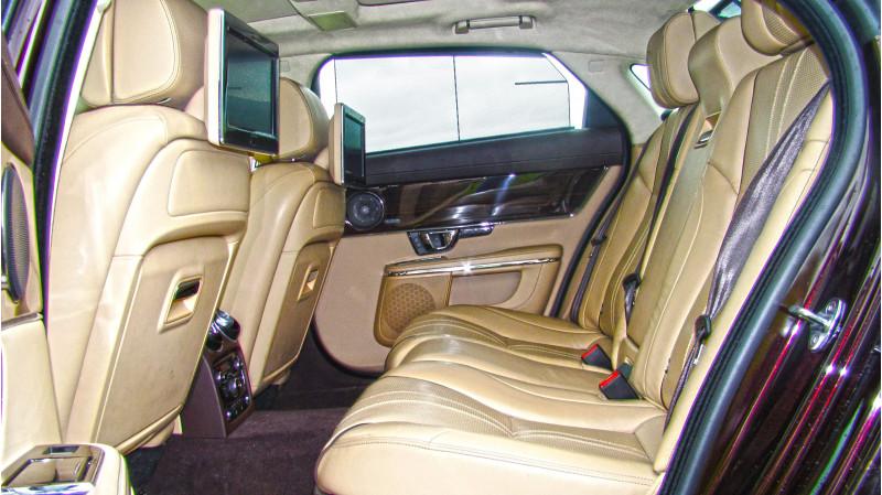 Jaguar XJ L Photos 21