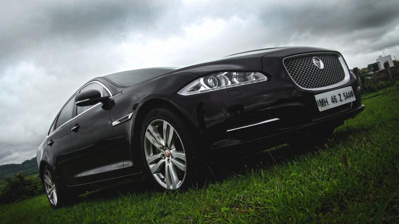 Jaguar XJ L Photos 24