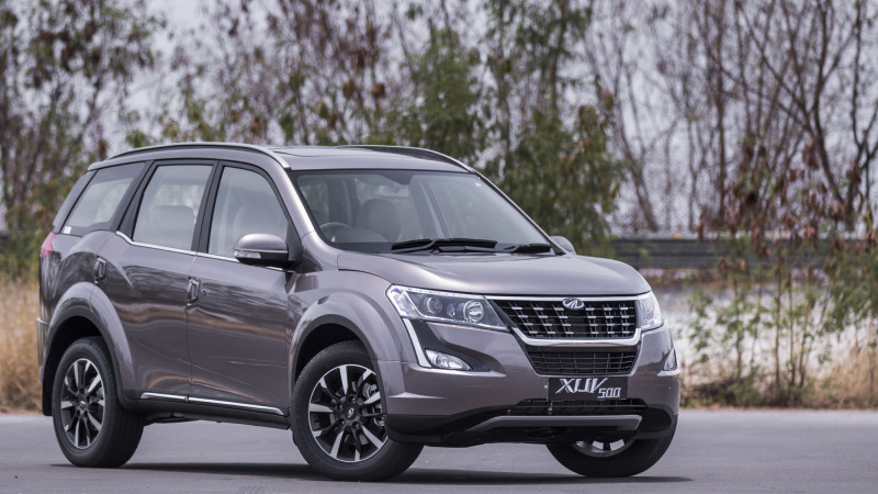 2018 Mahindra Xuv500 W11 First Drive Review Cartrade
