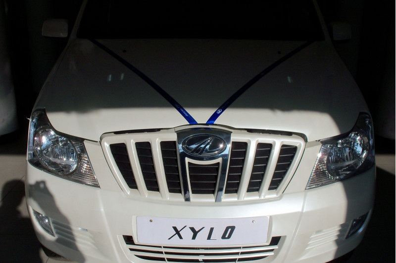 Mahindra Xylo Celebration Edition - CarTrade