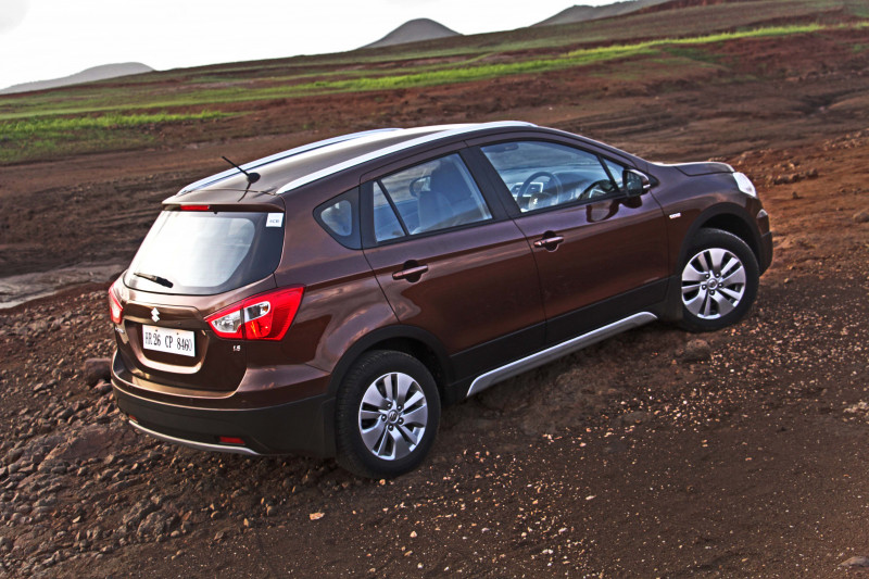 Maruti S Cross Images Photos And Picture Gallery 206224 Cartrade