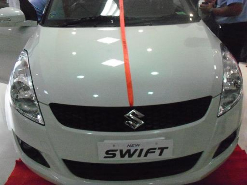 Maruti swift expert review swift road test 114582 for Swift vxi o interior