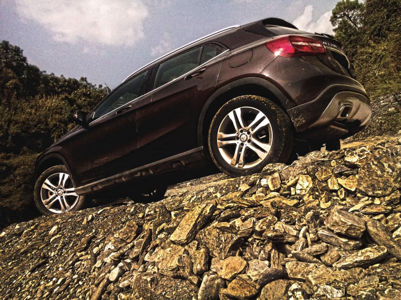 Mercedes Benz GLA Images 14