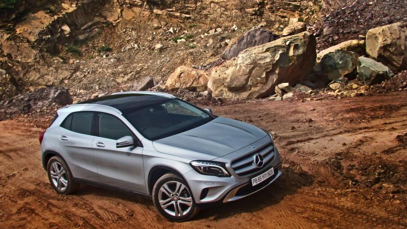 Mercedes Benz GLA Photos 15