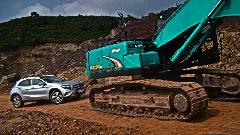 Mercedes Benz GLA Photos 18