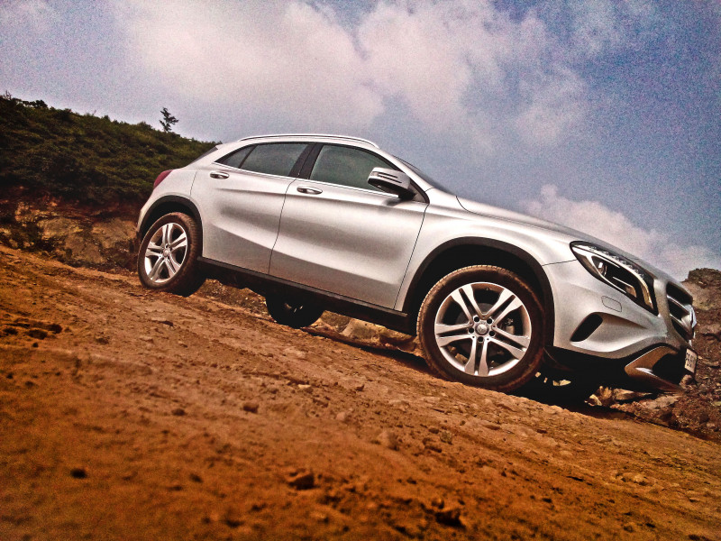 Mercedes benz gla class images photos and picture gallery for Mercedes benz gla class review