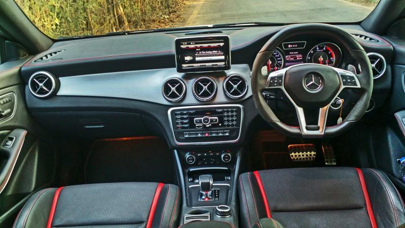 Mercedes Benz CLA45 Images 32