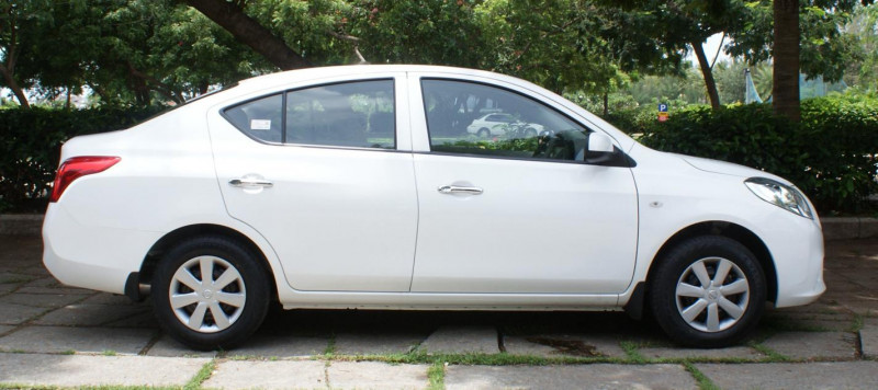 Nissan Sunny Images Photos And Picture Gallery 114898
