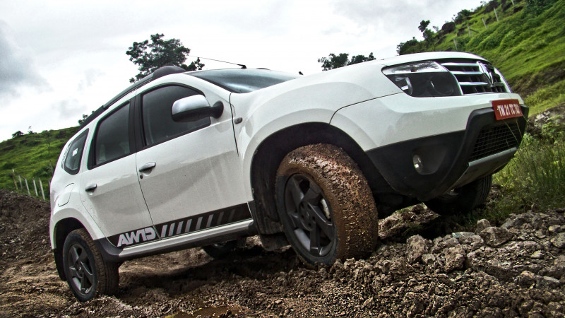 Renault Duster AWD Photos 15