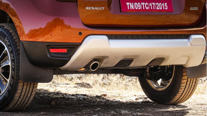 renault duster expert review duster road test 206512 cartrade. Black Bedroom Furniture Sets. Home Design Ideas