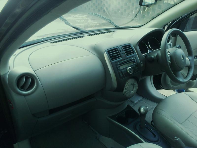 Renault Scala Automatic Interior photo