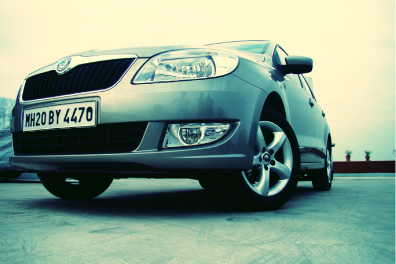 Drive of Skoda Rapid - CarTrade