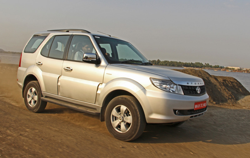 Tata Safari Storme Images Photos And Picture Gallery