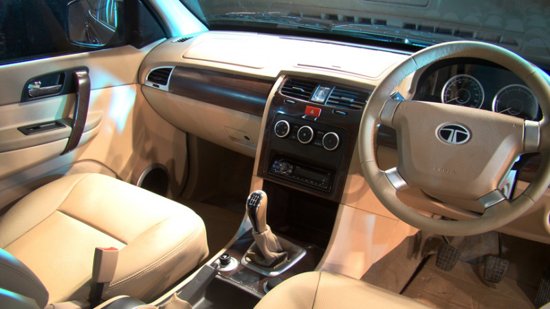 tata safari storme images photos and picture gallery 116444 cartrade. Black Bedroom Furniture Sets. Home Design Ideas