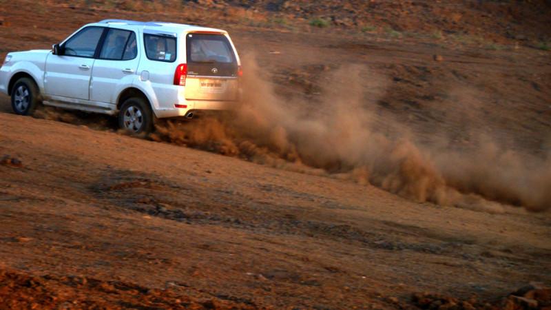 Tata Safari Storme Suspensions image
