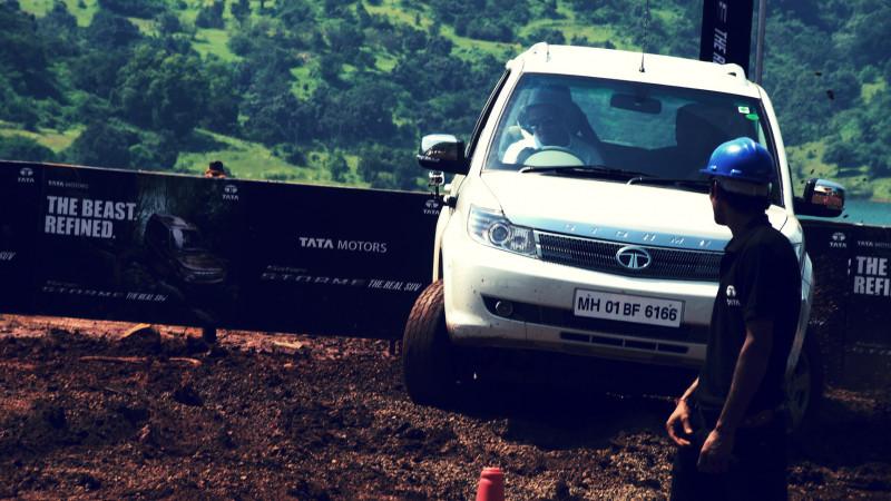 Tata Safari Storme Picture 42