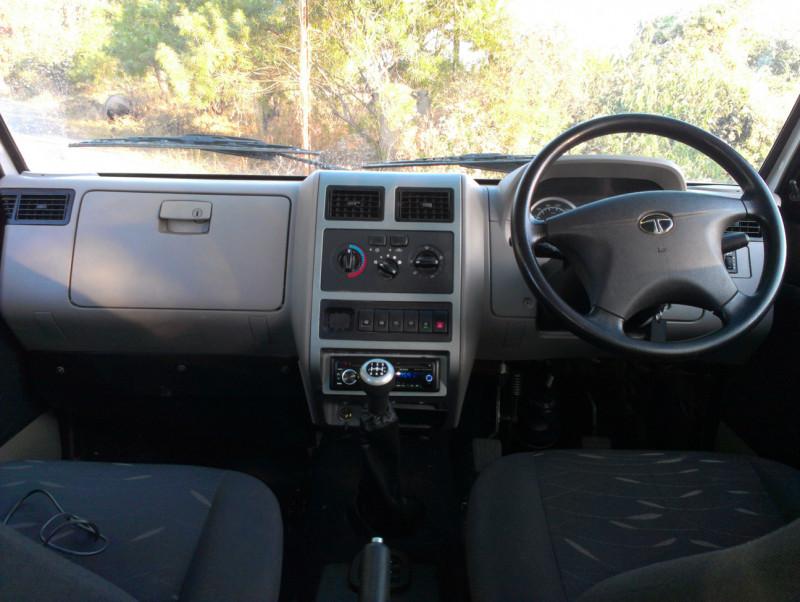 Tata Sumo interior picture