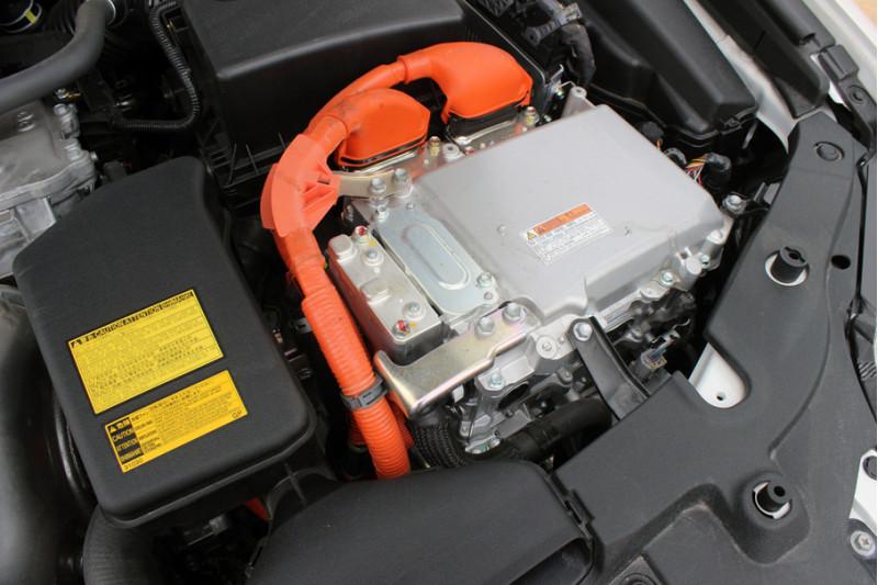 Toyota Camry Hybrid 2