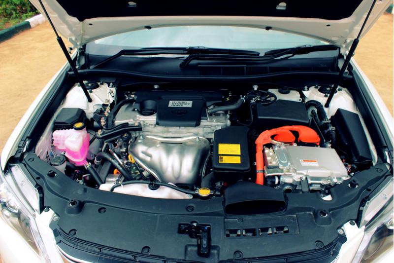 Toyota Camry Hybrid 65