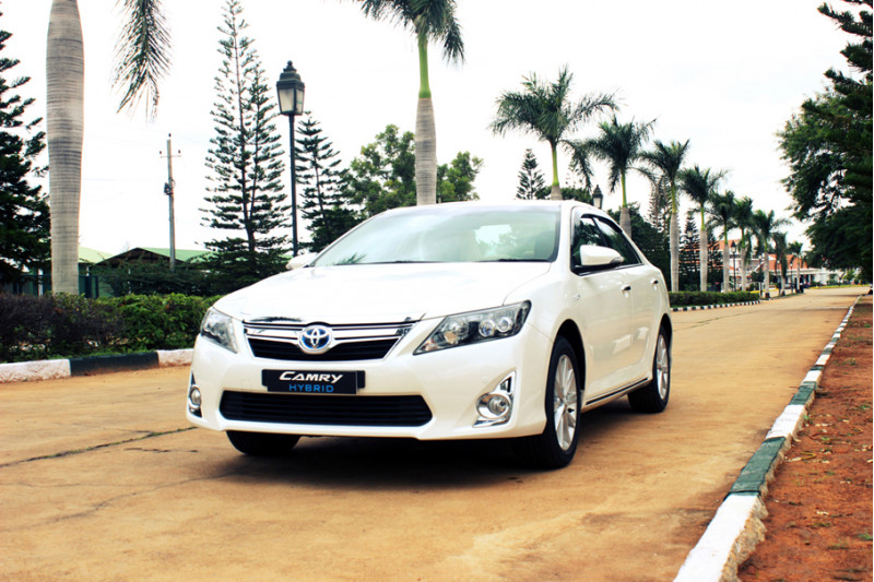 toyota camry hybrid clean drive cartrade