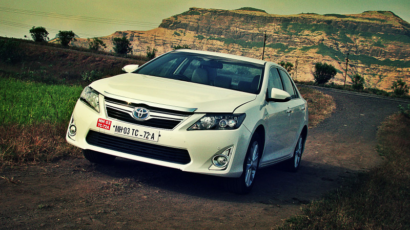 Toyota Camry Hybrid Mailer Pic