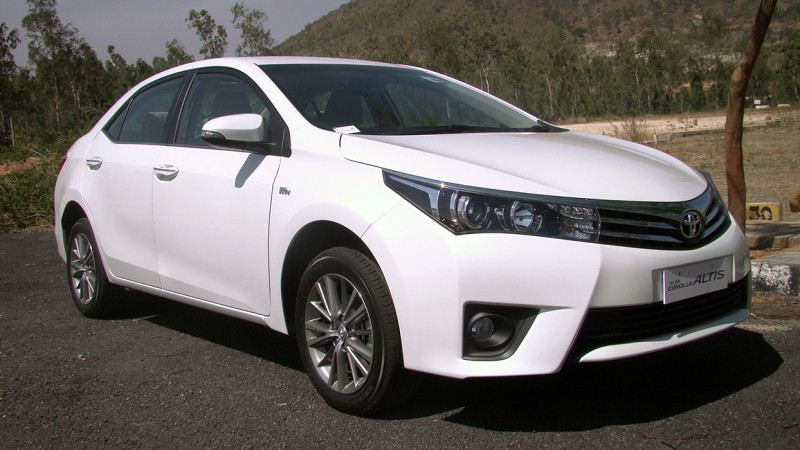 Toyota Corolla Altis Images Photos And Picture Gallery
