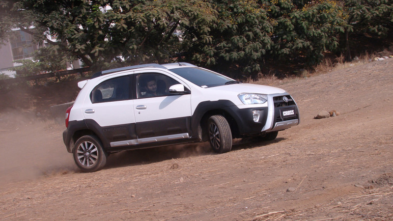Toyota Etios Cross Images Photos And Picture Gallery