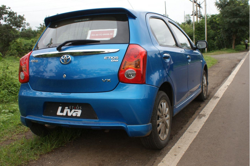 Toyota Etios Liva Review: - CarTrade