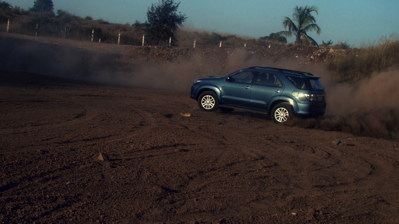 Toyota Fortuner performance1