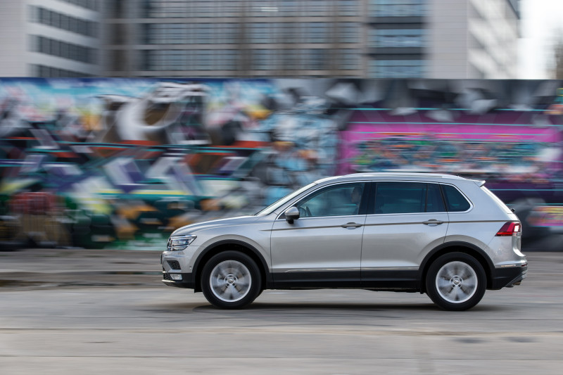 Volkswagen Tiguan Images Photos And Picture Gallery 206560 Cartrade
