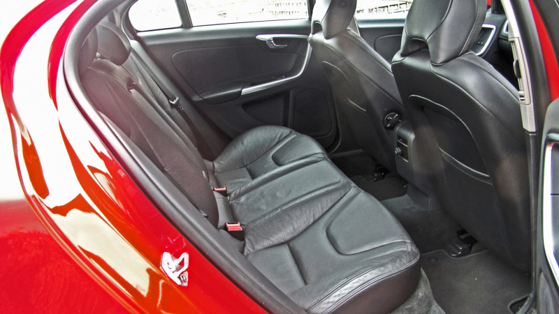 Volvo S60 Images 12