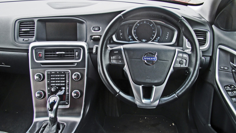 Volvo S60 Images 4