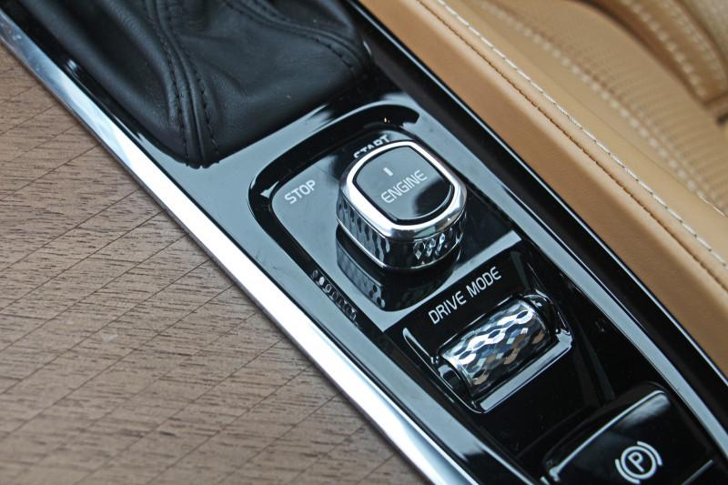 Volvo XC90 Photos 3