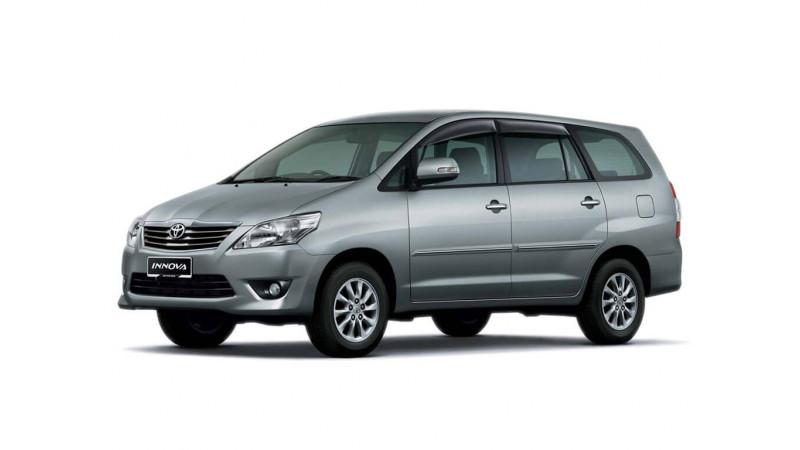 Toyota Innova Photos, Interior, Exterior Car Images | CarTrade