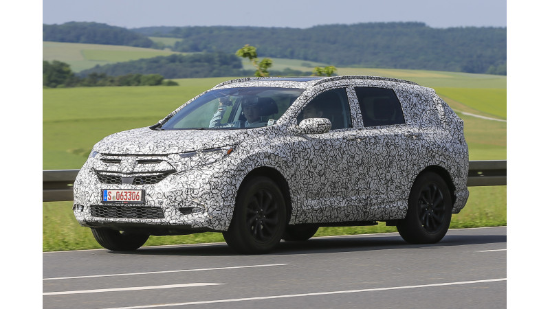 2018 Honda CR-V spotted on test