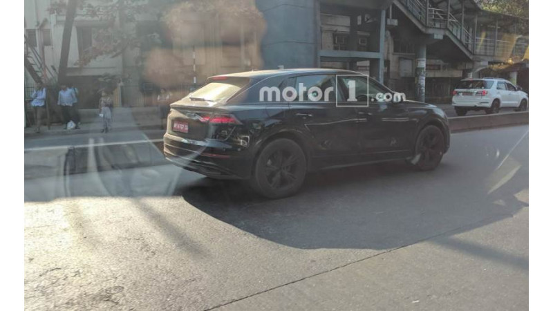 Upcoming Audi Q8 spotted testing one again